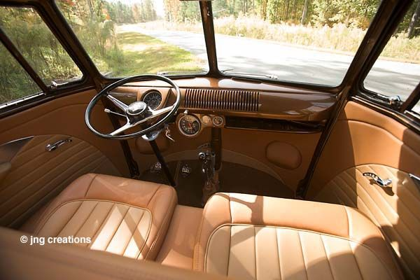 VW Bus Interior. What a flawless front area. Me wantee!