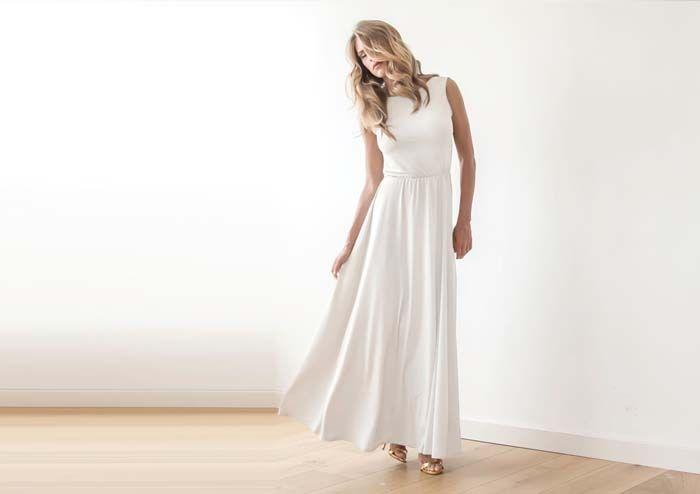10 Stunning Elopement Dresses