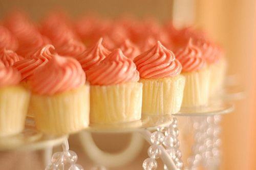 Coral Cupcakes Totally doing this instead of a cake when I get married