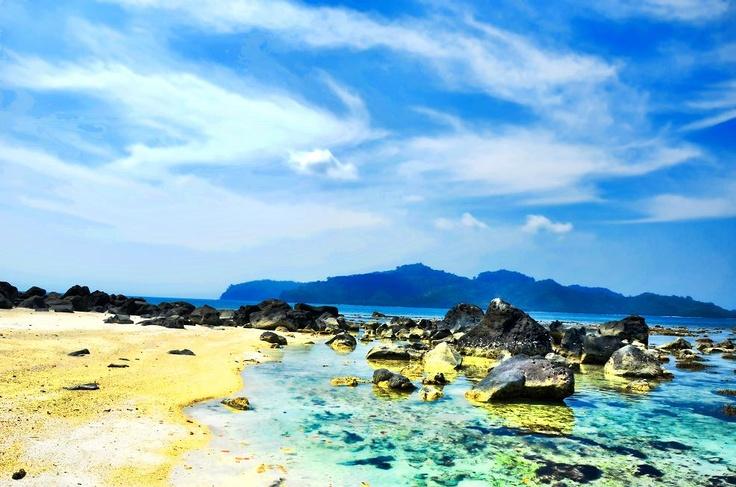 Pulau Sebuku Kecil