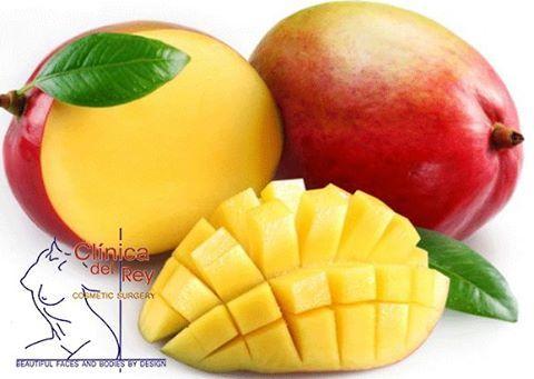 NUTRI-TIPS! Beneficios del mango 1. Ayuda a la digestión: El mango proporciona un grupo de enzimas digestivas que apoyan al cuerpo y a su capacidad de descomponer alimentos. Existen indicios de que estas enzimas pueden incluso reducir la sensación de ardor asociada con el reflujo ácido y la pectina en la fibra ayuda a prevenir el estreñimiento. 2. Combate el cáncer: El mango es una gran fuente de antioxidantes como la isoquercitrina, quercetina fisetina, astragalina, galato de metilo y…