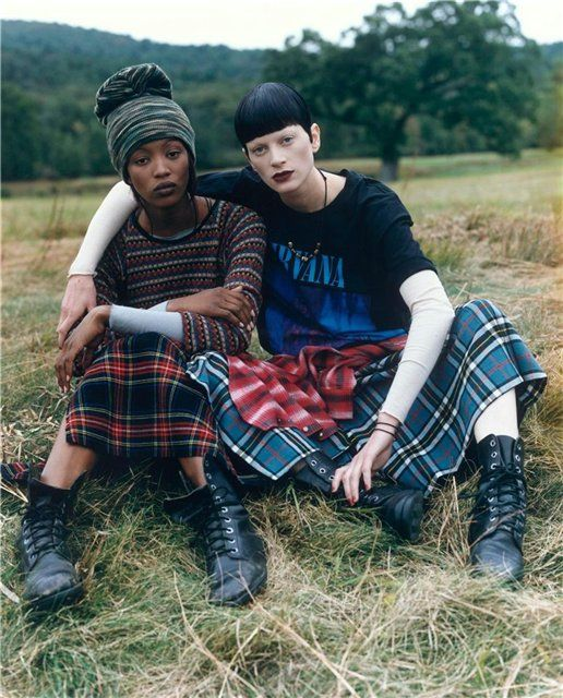 GRUNGE Vogue (1992) life-changing editorial shot by Steven Meisel featuring Naomi Campbell, Kristen Mcmenamy and Nadja Auermann