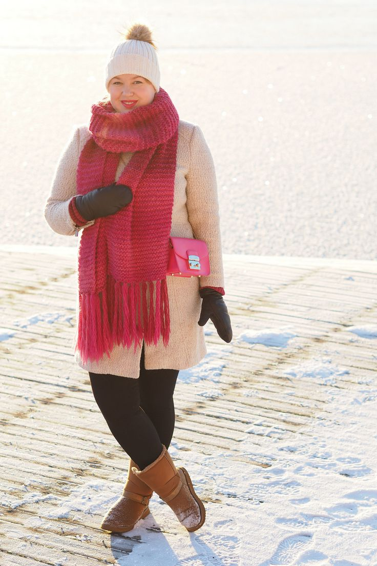 Pitsiniekka | Beige and Pink Winter Outfit with Furla Metropolis Mini Pinky