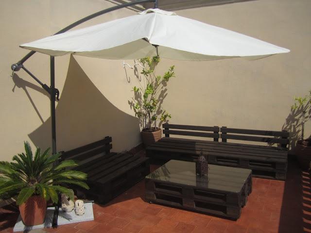 Garden furniture (lounge set) from pallets, extremely modern and cost saving