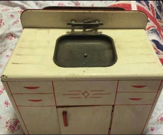 Antique Wolverine Tin Litho Toy Sink