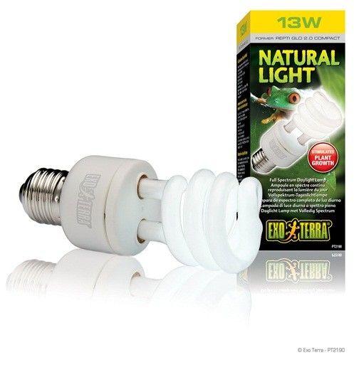Bombilla Bajo Consumo Natural Light EXOTERRA es una lámpara de espectro de luz diurna con una alta producción de luz visible y alto índice de reproducción cromática (CRI 98).