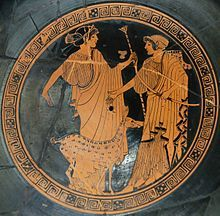 """Ártemis e Apólo - museu do Louvre- com três anos, Ártemis, ao sentar-se no colo de seu pai, Zeus, pediu-lhe para conceder-lhe seis desejos: manter-se virgem; ter muitos nomes para diferenciá-la de seu irmão Apolo; ser a Portadora da Luz; ter um arco e flecha; uma túnica na altura do joelho para que ela pudesse caçar e ter sessenta """"filhas """", todas com nove anos de idade conhecidas como """"as caçadoras de Ártemis""""."""