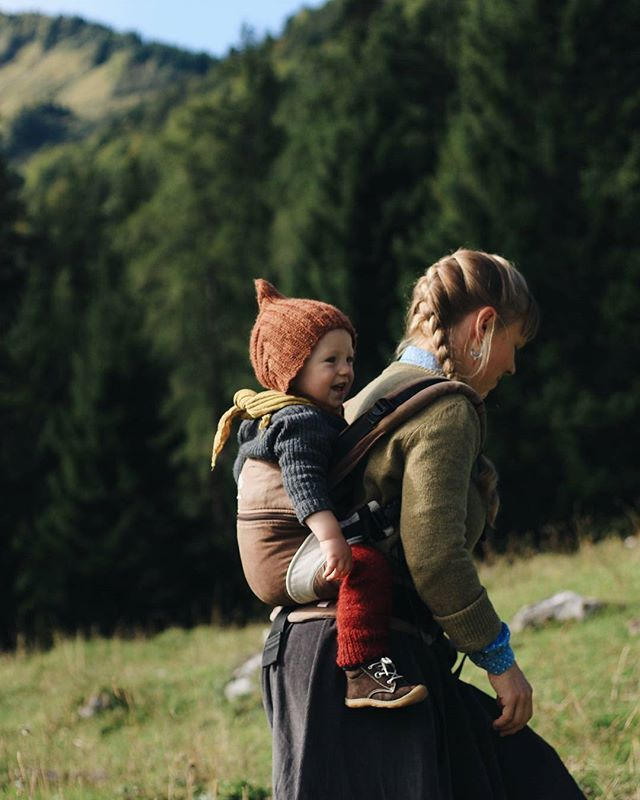 Hiking. Baby Carrier. Adventures. Dear Katrien of @growingwildthings