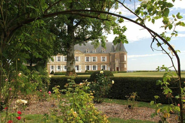 Superbe Chateau A Vendre Dans La Sarthe (Monument Historique). (MD2268249) -  #Castle for Sale in Le Mans, Pays de la Loire, France - #LeMans, #PaysdelaLoire, #France. More Properties on www.mondinion.com.