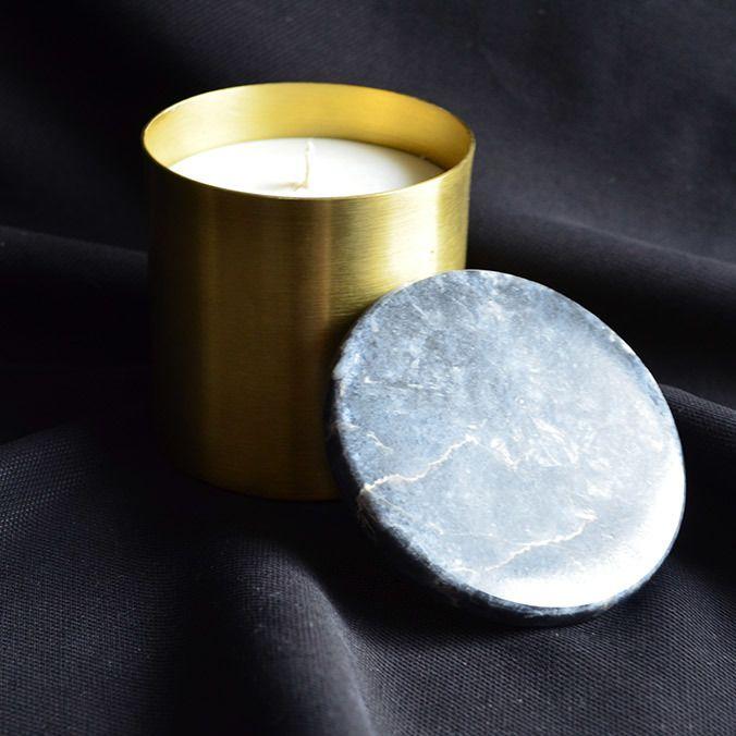 El yapımı pirinç&mermer mumluk BraS Mum Materyal : Pirinç & Siyah Mermer Kapak Malzeme : 125 gr Soya Mumu Ebat : R(çap): 6 cm H: 7 cm #mum #mumluk #candles #candlelight #tealight #nightlights #copper #marble #architecture #home #homedecoration #bialdim #bialdimshop #bialdimstory #alisveris #shopping #hediye #gift #giftideas #kisiyeozel