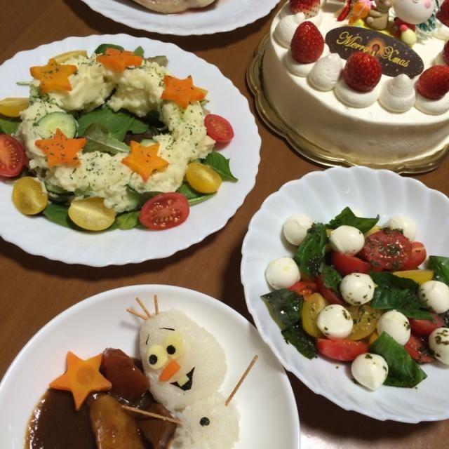 オラフライスのビーフシチュー チキン リースのポテトサラダ コロコロカプレーゼ ケーキ - 23件のもぐもぐ - 2014クリスマス☃ by ☃YUKI