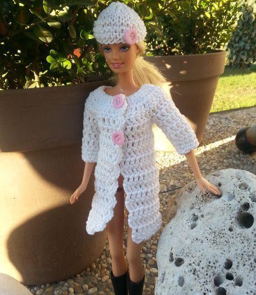Bílý kabát s 3/4 rukávem + čepice pro Barbie