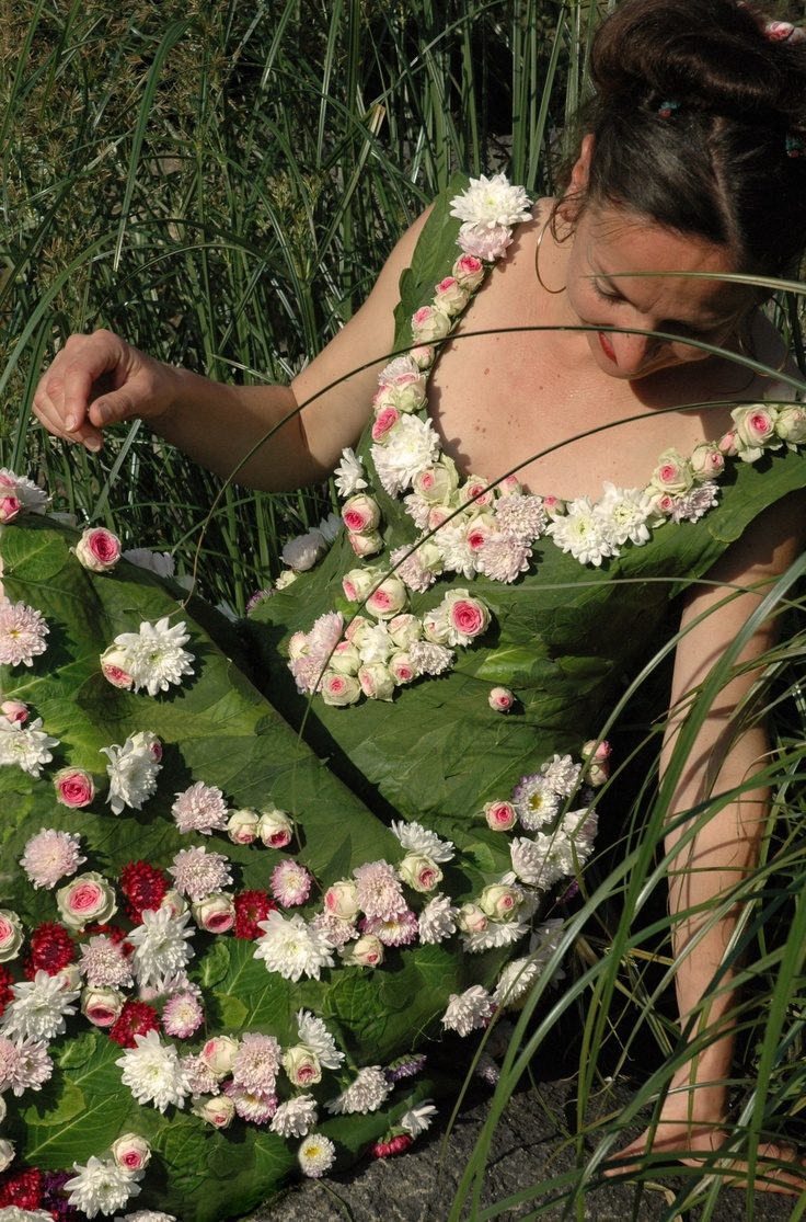 Feuilles et fleurs fra ches pour v ritable robe d 39 un jour for Fleurs fraiches