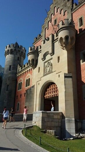 Neuschwanstein castle main gate