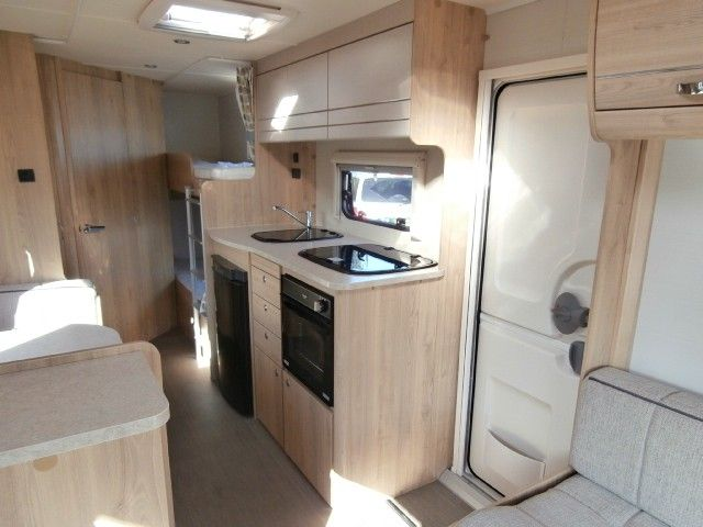 2016 Elddis Xplore 586 SE 6-berth with separate shower £16,000