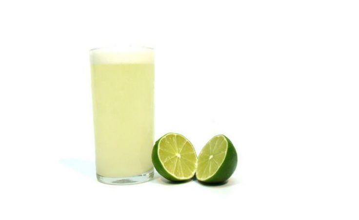 Descubra quais são os benefícios de se tomar suco de limão pela manhã