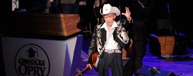 Grand Ole Opry legend hospitalized (Getty Images)