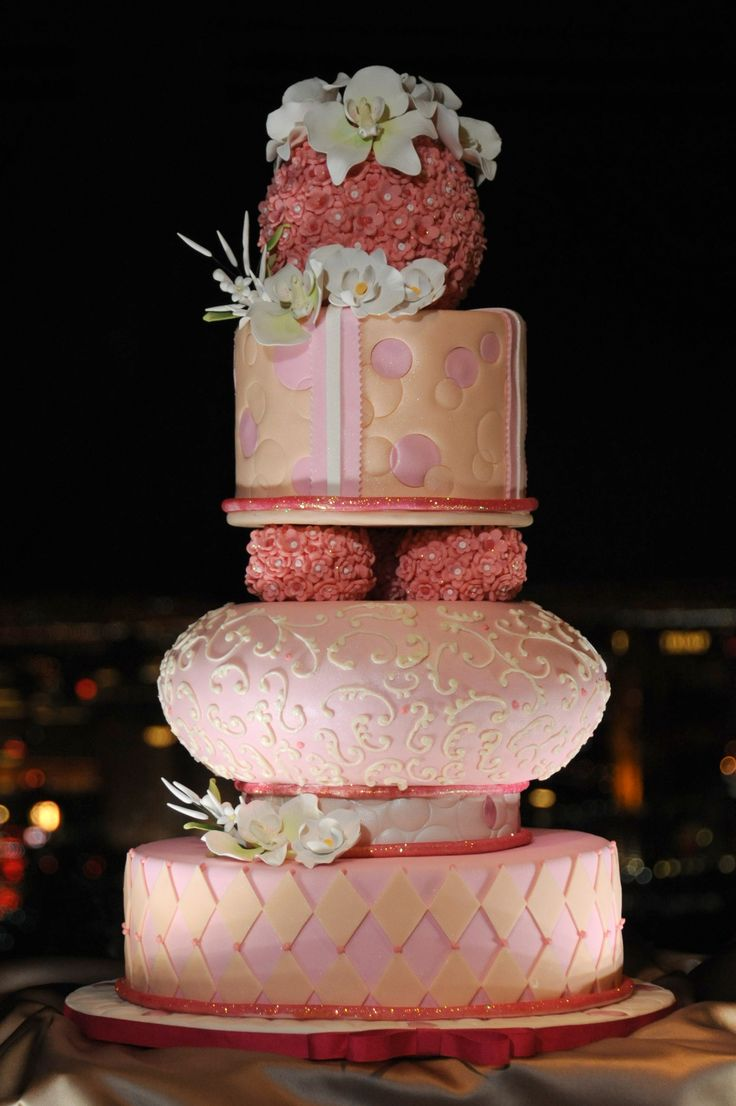 wedding cake chapel in the clouds stratosphere hotel las vegas