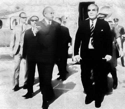 President Yahya Khan arrives in Moenjodaro Airport in January 1971.  #Leaders #pakistani
