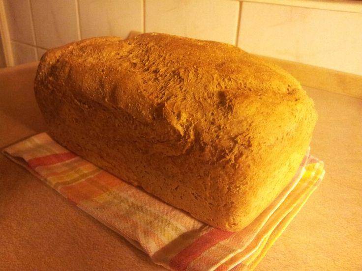 Chleb razowy przenno-zytni z platkami owsianymi i slonecznikiem