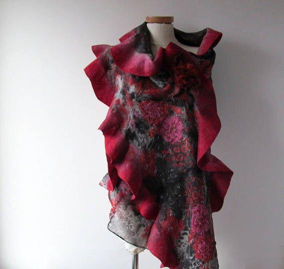 Grey Felted scarf,  Floral felt scarf,  Ruffle scarf  Wool  Floral wool stole , Red Pink flower, Folk women felt shawl outdoors gift