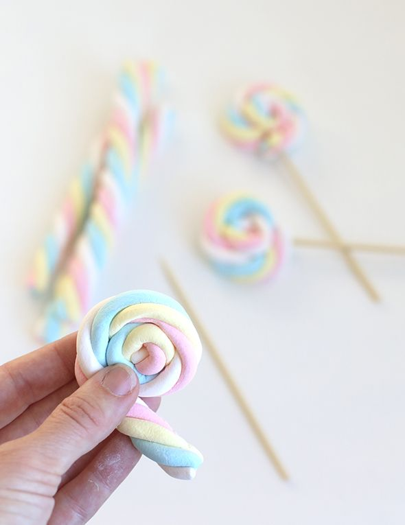 + #DIY marshmallow pops +