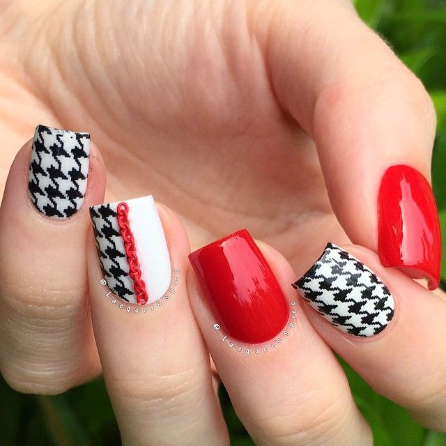 one more shot of yesterdays mani! ❤️ this time with a little thumb action  houndstooth decals from @bornprettystore  item no. 17732. red is @londontownusa 'londoner love' and white is @opi_products 'alpine snow'. red chain from @miniinthebox  - - ✨save 10% @bornprettystore with my code 'SPICEK31'✨