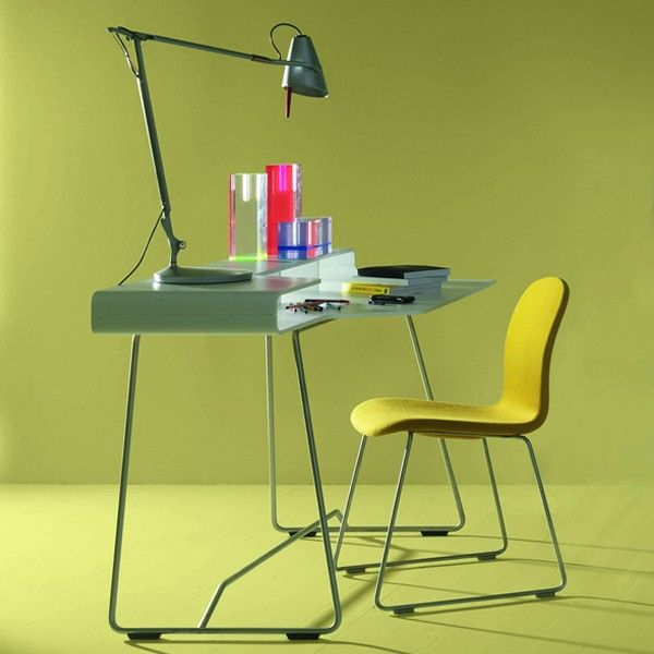 Loop is @cappellininext birch plywood #desk, available in all the matt lacquered colours, with stainless steel frame.
