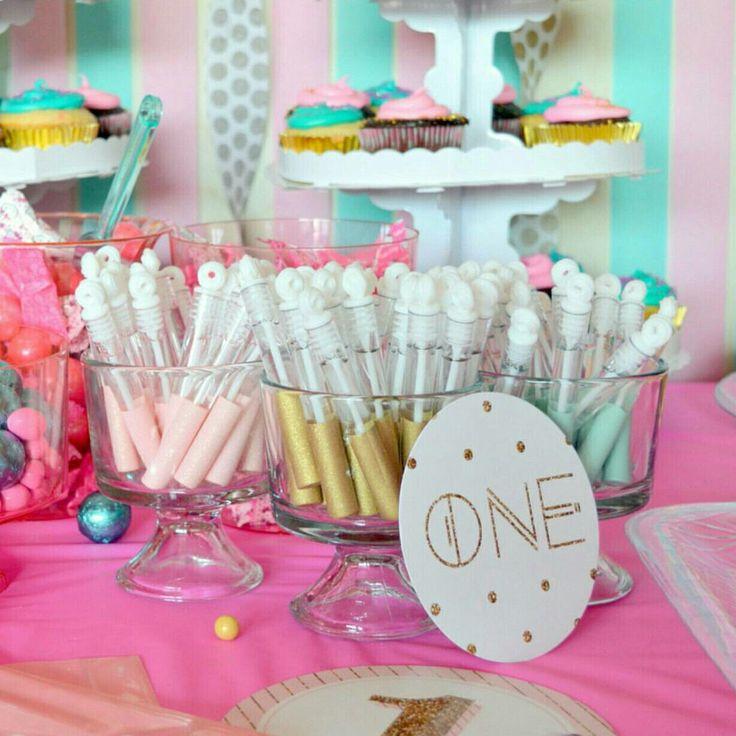 8 Best Wedding Favors Images On Pinterest Bubble Wands Gold