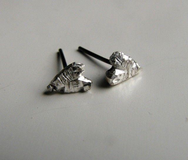 Cut silver hearts - Anna Siivonen #nordicdesigncollective #annasiivonen #heart #hjarta #love #valentine #valentinesday #happyvalentine #bemyvalentine #iheartu #iloveyou #earrings
