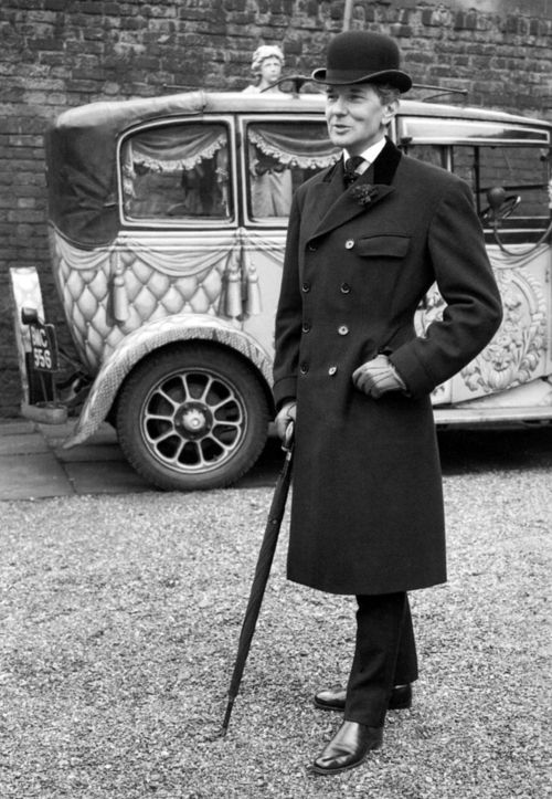 Neil Munro 'Bunny' Roger, dandy & couturier, known for his high closing four button suits with a longer jacket, strong shoulders & nipped wa...