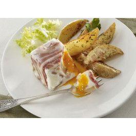 Huevo con beicon, patata y cebolla