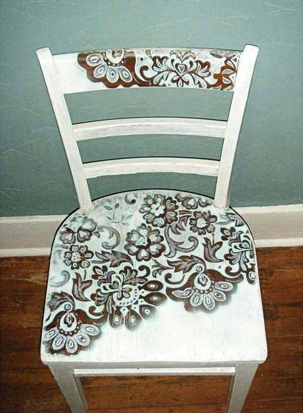 Spray Painted Lace Chairs: Top 22 Charming Home Decorating DIYs Can Make With Lace