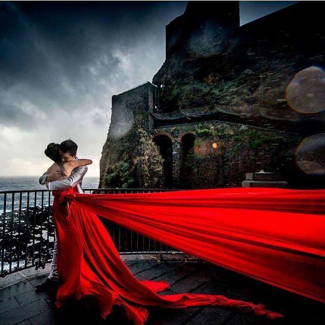 """""""Talentuosi #Fotografi Siciliani sono pronti per immortalare il tuo giorno più bello con scatti e video di altissima qualità. Per te subito sconti e promozioni speciali. Cosa aspetti? Contattali su >> #MAdiSì #MatrimoniodiSicilia #fotografi #videografi #photo #video #weddingphotography #weddingphoto #picoftheday #instaphoto #instalike #models #sposi #castello #Catania #Sicily"""" by @madisi_matrimoniodisicilia. #невеста #prewedding #свадьба #casamento #noiva #instabride #bride…"""