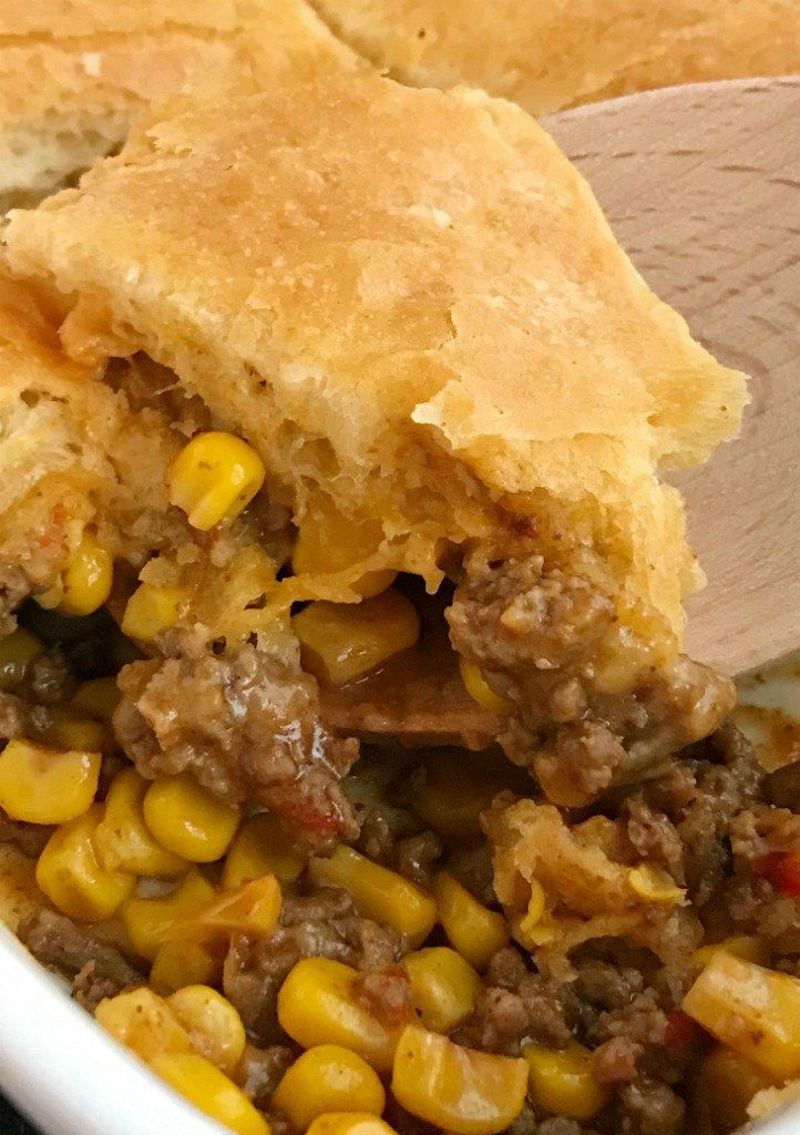 5 Ingredient Mexican Biscuit Casserole Is An Easy 30 Minute Casserole That Is Kid Approv Biscuits Casserole Fast Dinner Recipes Ground Beef Recipes For Dinner