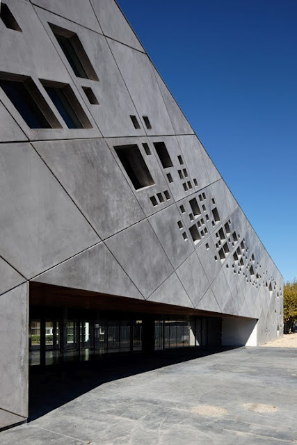 Extension and Gymnasium- Lyceum Bleriot I Christophe Gulizzi Architecte