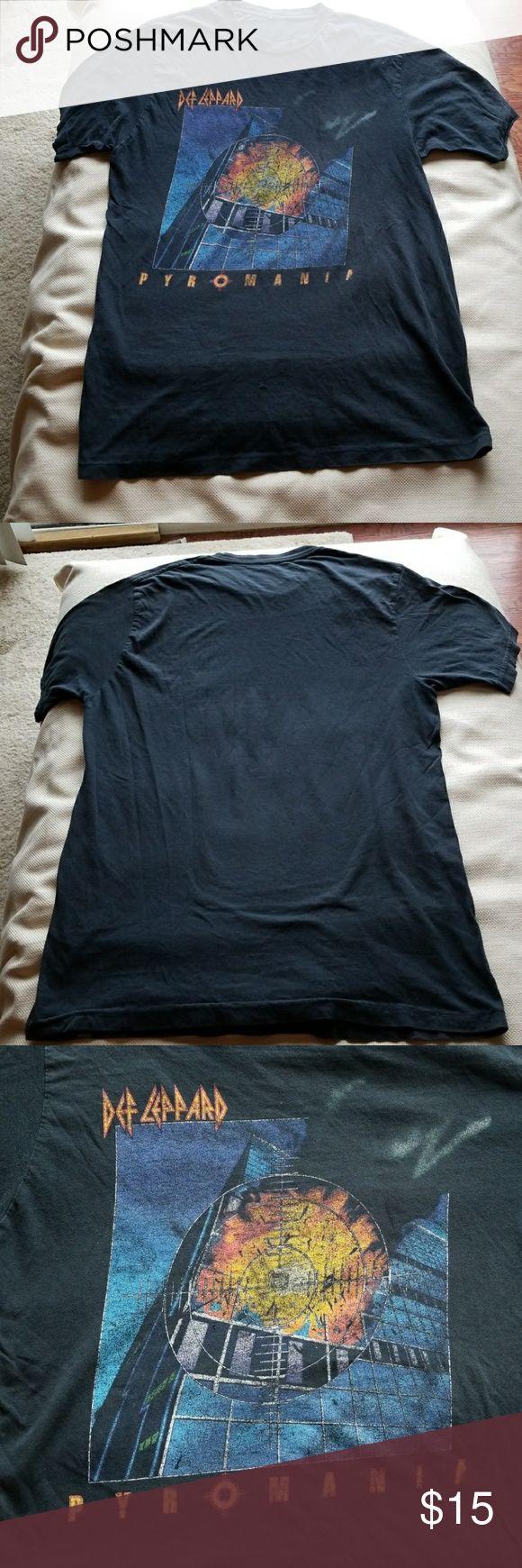 Def Leppard vintage t shirt T shirt Shirts