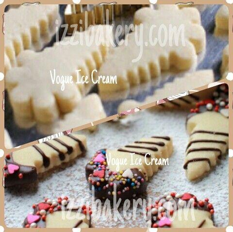 aahhhh... ice cream juga ada dalam bentuk cookies ... dengan  3 jenis sereal, cookiea ini menambah daftar top cookies di izzi tahun ini... layan rasa ajaib di dalamnya...