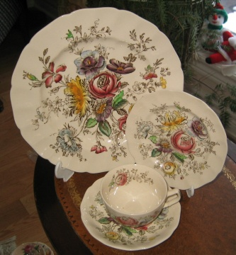Johnson Brothers Sheraton pattern Four brothers started the business in 1882 developing durable earthenware dinnerware called  White Granite. & 10 best Johnson brother China images on Pinterest | Johnson brothers ...