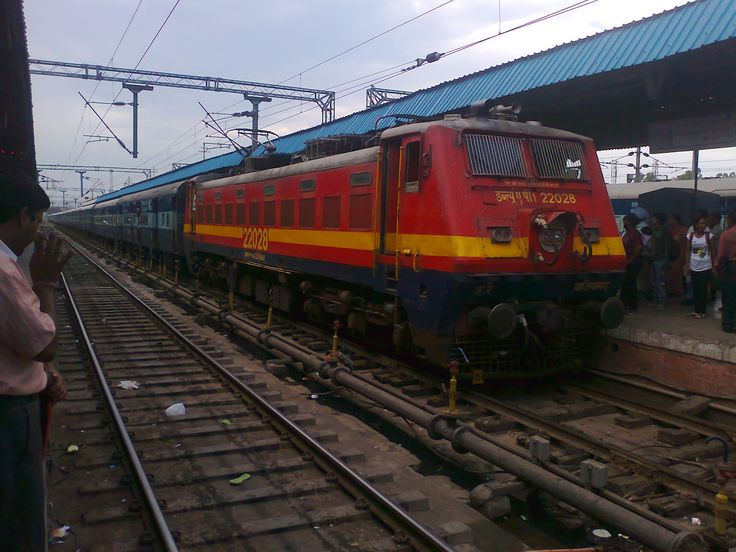 Online bookings have sorted out a lot of problems related to railway bookings. People no more have to keep waiting in long lines waiting for their turn. Fast and secure train bookings are done online and are even possible for Mumbai to Hyderabad train.