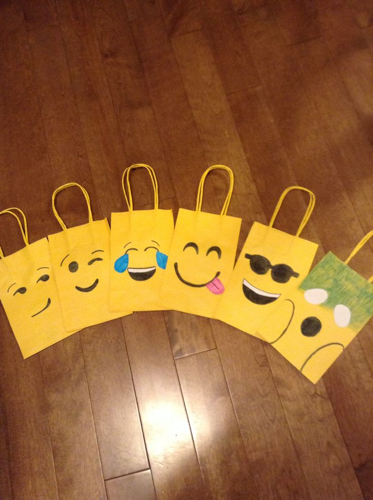 Emoticon party bags