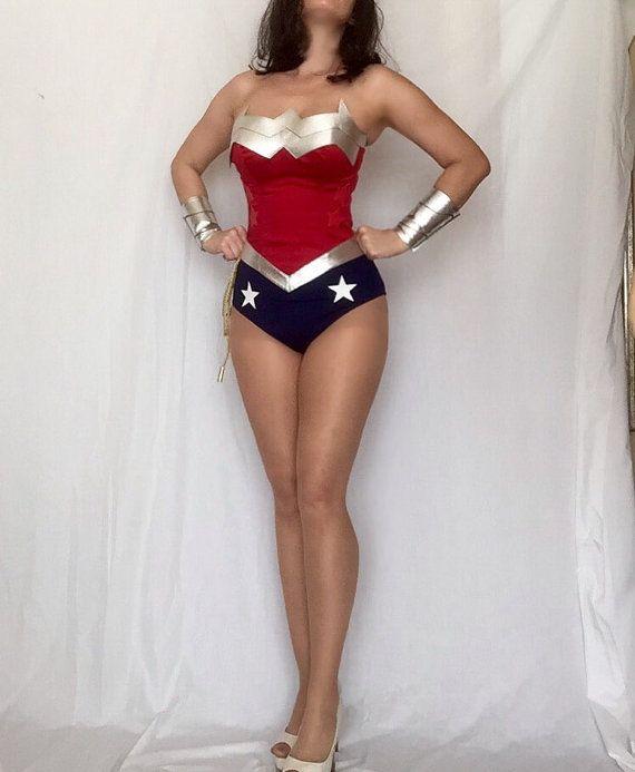 Neue 52 Wonder Woman Kostüm Replica von delphina123 auf Etsy