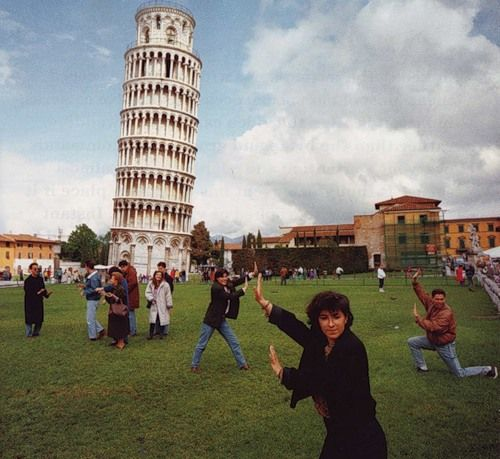 Martin Parr. this is hilarious! everyone trying to pose for their own photographs, captured in one phototgraph