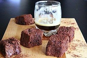 Brownies (sans oeufs, sans lait, sans gluten, sans noix)