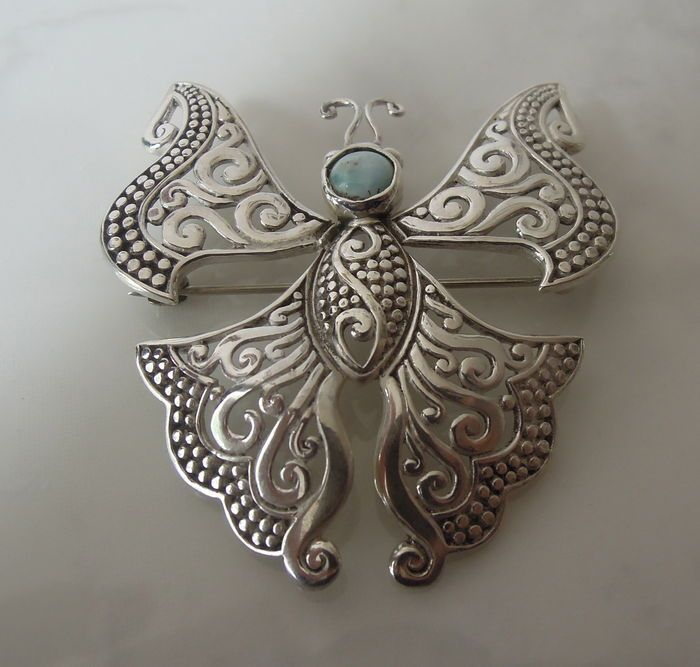 Online veilinghuis Catawiki: Zilveren Vlinder Hanger/Broche met Larimar