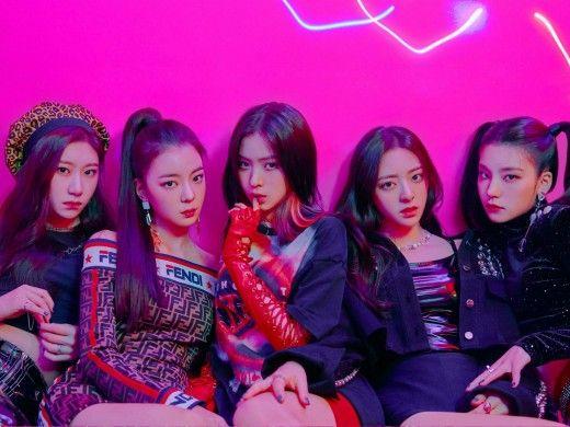 Itzy Top 10 Most Popular K Pop Girl Groups Itzy Kpop Girls Debut Album