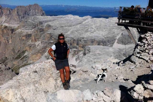 Virna Pierobon. Giornalista ed esperta di comunicazione 2.0 come allievo della Ninja Academy di Milano, si è specializzata in comunicazione 2.0. E' stata ideatore e content editor di differenti start-up nell'ambito del turismo.