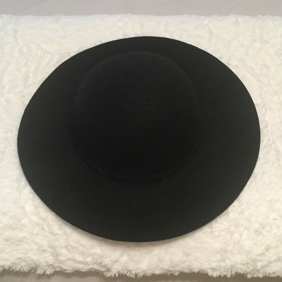 BLACK WIDE BRIMMED HAT Black hat, adjustable on the inside so it will fit your head perfectly and never fall off. Perfect for anytime of the year. BCBGeneration Accessories Hats