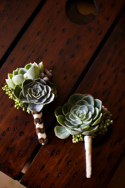 WDW (WEDDING DAY WEEKLY ) BLOGGING FOR BRIDES: Succulent Bridal Bouquet and Boutonnieres