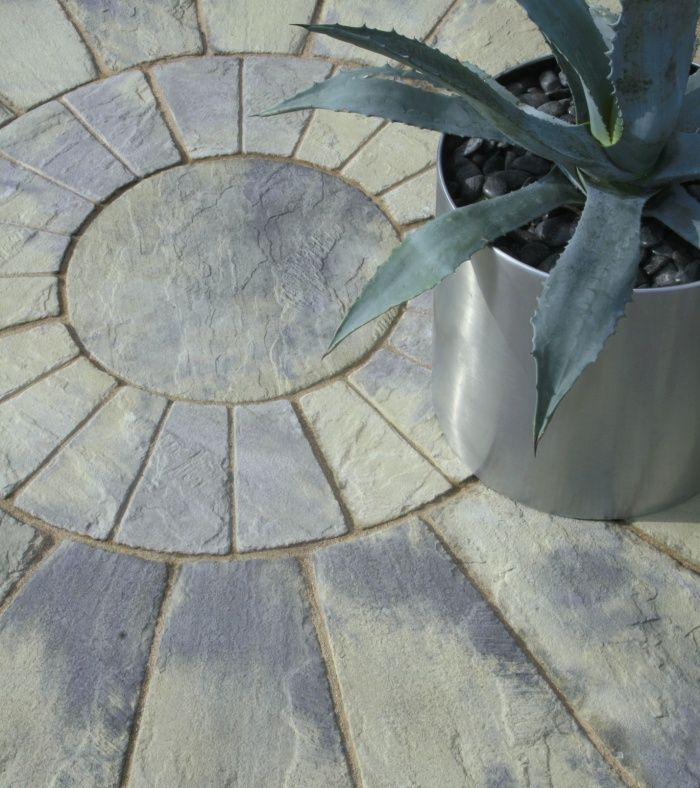 Weathered Yorkstone Paving Circle By Stonemarket Consisting Of Inner, Mid  And Outer Segments For Creating Circular Patios Of Different Sizes.
